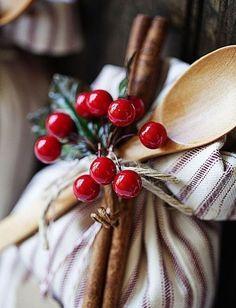 Читайте також Різдвяний декор свічок. 50 фото-ідей Магніти-ялинки на холодильник з кави Ідеї упаковки подарунків 43 фото. Новорічні сувеніри з солоного тіста. Рецепт тіста та … Read More