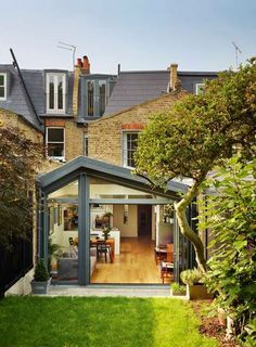 42 Awesome Terrace House Extension Design Ideas With Open Plan Spaces - Extending your home by building outside can have a significant impact on your property's curb appeal when it comes time to list your house on the mark. Orangerie Extension, Extension Veranda, Conservatory Extension, Glass Extension, Roof Extension, Modern Conservatory, Side Return Extension, Extension Designs, House Extension Design