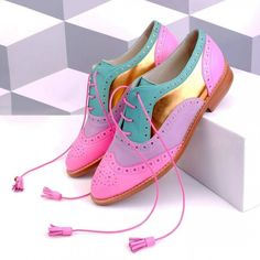 Women's Multicolor Oxford Lace Up Tassels Comfortable Flats Fall Fashion Shoes 2019 Colorful Stylish Comfortable Oxford Shoes Trendy Stylish Comfortbale Shoes For Girls Source by fsjshoes fashion vintage Fashion Kids, Look Fashion, Fashion Shoes, Fall Fashion, Fashion Scarves, Hijab Fashion, Fashion Clothes, Womens Fashion, Men Dress