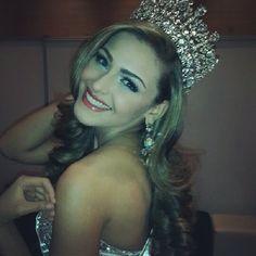 Migbelis Castellanos @Emily Danielle D Instagram photos | Webstagram Pageant Girls, Beauty Pageant, Beauty Queens, Crown, Pageants, Makeup, Hair, Instagram, Photos