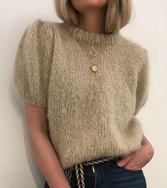 Ravelry: Maipuffbluse mohair edition pattern by Siv Kristin Olsen Knitting Designs, Knitting Patterns, Ravelry, Summer Knitting, Apparel Design, Pulls, Clothing Patterns, Knitwear, Knit Crochet