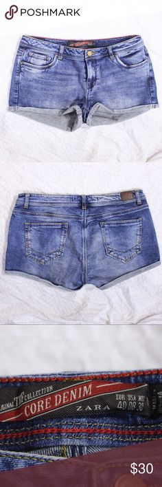 Zara Core Denim Distressed Wash Denim Shorts Zara Core Denim raw edge denim shorts.  Fits true to size.  In gently used condition, no flaws.  Measurements available upon request.  All orders shipped same or next business day! Zara Shorts Jean Shorts