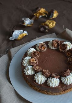nutella cheesecake - by édesem Nutella Cheesecake, Sweet Little Things, Dessert Recipes, Sweets, Ricotta, Food, Sweet Pastries, Meal, Gummi Candy