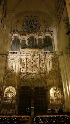 Órgano del Emperador. Siglo XVI. Catedral de Toledo. Spain
