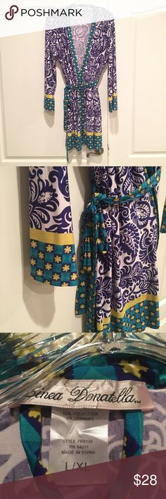 Linea Donatella Robe Light weight and soft. Has an inside tie and an outer tie. Size is L/XL Intimates & Sleepwear Robes