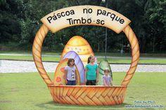 Decoração de Páscoa no Parque Henry Paul em Timbó. Fotos – by Pilo / JMV (André Schroeder)