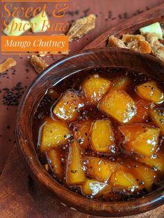 Mango Recipes Sweet, Raw Mango Recipes Indian, Indian Food Recipes, Indian Pickle Recipe, Pickle Mango Recipe, Fun Baking Recipes, Cooking Recipes, Yummy Recipes, Pickled Mango