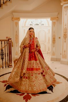A Royal Destination Wedding With The Bride In A Stunning Red & White Lehenga Golden Bridal Lehenga, Indian Bridal Lehenga, Indian Bridal Outfits, Indian Bridal Fashion, Bridal Dresses, Ball Dresses, Indian Dresses, Wedding Lehenga Designs, Wedding Lehanga