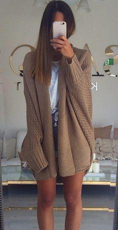 Maxi Relaxing In Knitting Sweater