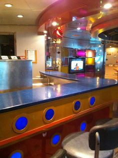 Royal Caribbean International - Adventure of the Seas, Teen Nightclub Optix