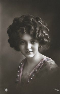 1910s - this reminds me of the heroine in M.K. Hobson's new book!
