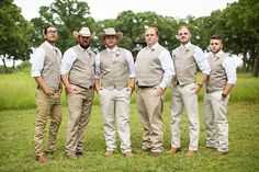 May wedding at The Grove! #SilverBearCreativePhotography see more at www.thegroveaubreytexas.com #RusticWedding #CountryChic #WhiteFlorals #Natural #OutdoorCeremony #OutdoorWedding #NorthTexasBride #WeddingVenue #SpringWedding #MayWedding