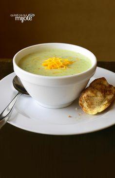 Soupe au brocoli et au cheddar #recette