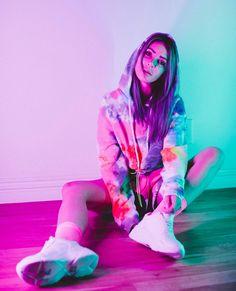 Alison Wonderland, Dj Music, Music Stuff, Vaporwave Wallpaper, Creative Photos, Electronic Music, Edm, Pretty, Sweetest Thing