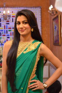 Kumkum Bhagya Images and Photos Beautiful Girl Indian, Most Beautiful Indian Actress, Beautiful Saree, Beautiful Women, Indian Tv Actress, Indian Actresses, Indian Dress Up, Bollywood Hairstyles, Sriti Jha