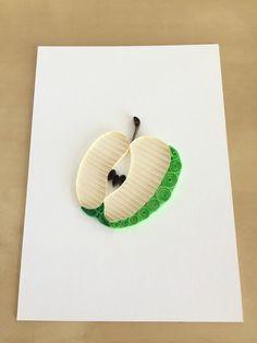 Decoración de la pared de la manzana verde accesorios de Homeschool Coop, Paper Quilling Cards, Rosh Hashanah, Washer Necklace, Crochet Earrings, Quilting, Etsy, Quilling Cards, Quilling