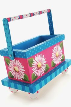 Painted Daisy Wood Tote #PlaidCrafts #crafts