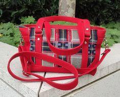 Sac Carioca en simili rouge et carreaux cousu par Evy - Patron Sacôtin