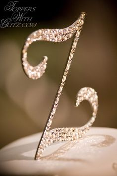Toppers With Glitz Single Initial Cake Topper Heidi - Silk, Crystal, Cream Pearl