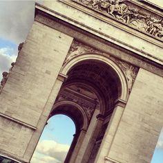 #arcdetriumph  #Paris #cityoflights #travel #travelblog #foodblog #blogger #traveller #city #beautifuldestinations #igtravel #travel  #travelbug #adventure #wanderlusting #journey #globetrotter #wanderlust  #iphone #foodie #noregrets by butnodessert