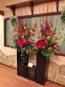Holistic Decor Tips for Your Home Exotic Flowers, Tropical Flowers, Beautiful Flowers, Hotel Flower Arrangements, Million Flowers, Hotel Flowers, Church Flowers, Flower Stands, Arte Floral