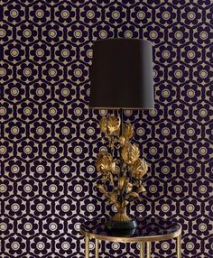 Black-purple flowers in a precious flock material are arranged on a pearl-gold background. Nostalgia de luxe for fans of classic designs from the Flock Wallpaper, Flowery Wallpaper, Wallpaper Stencil, Wallpaper Samples, Wall Wallpaper, Pattern Wallpaper, Edith Stein, Nostalgia, Gold Background