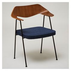 Special Edition 675 Chair Bilberry Blue