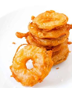 Beer battered and fried apples can be served savory with a sprinkle of salt or sweet with a dusting of powdered sugar. Apple Recipes, Baby Food Recipes, Snack Recipes, Cooking Recipes, Snacks, Bread Recipes, Cooking Bacon, Cooking Wine, Cooking Steak