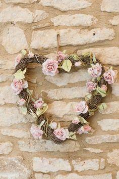 Valentine's Day Wedding ideas , heart wedding garland, rustic wedding decor 2014 #home decor #ideas #Easter #spring wedding #Craft #food www.dreamyweddingideas.com