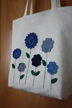 Crochet Flowers Linen Tote Bag Crochet Flowers Linen Tote Bag This image has… Fabric Bags, Linen Fabric, Crochet Projects, Sewing Projects, Knitting Patterns, Crochet Patterns, Knitting Bags, Bag Crochet, Embroidery Bags