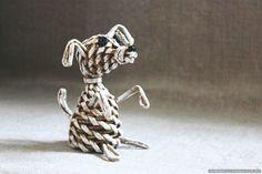 Pies, utkany z papierowych rurek - krok po kroku z klasą ze zdjęciem
