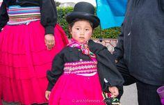 Niña de la comunidad Aymara Puno Perú http://aristofennes.com/virgen-de-la-candelaria-fiesta-puno-peru/