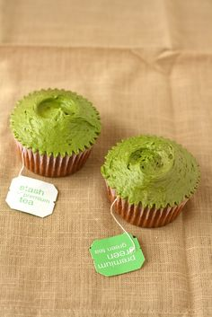 Hummingbird on High: A High-Altitude Baking Blog: Hummingbird Bakery Green Tea Cupcakes Recipe
