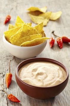 Mix hot sauce in with other condiments! The goodness never ends. Appetizer Recipes, Snack Recipes, Snacks, Appetizers, Pesto Dip, Fondue, Low Carb Sauces, Dutch Recipes, Cafe Food