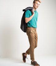 Richards - look top polo cor neon esmeralda zule com calça de cintura alta