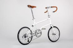 valentin vodev valerie wolff vello bike magnetic folding bicycle_ Is it a #Brompton evolution??. The fold back system remind a lot the #TomDixon bike.