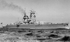 Not quite a heavy cruiser and not quite a battleship, German pocket battleship Admiral Scheer [2,572 x 1,549]