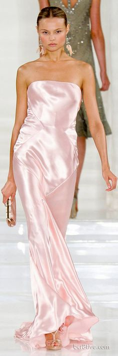 Commemorating a Classic Timeless Collection – Ralph Lauren Spring Summer 2012 Haute Couture Dress Vestidos, Satin Dresses, Strapless Dress Formal, Satin Gown, Pink Fashion, Runway Fashion, Party Fashion, Beautiful Gowns, Beautiful Outfits