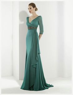 This is pretty and the higher waist adds length. Lovely Dresses, Beautiful Gowns, Elegant Dresses, Evening Dresses 2014, Evening Gowns, Mob Dresses, Bride Dresses, Elegant Outfit, Formal Gowns