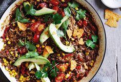 One Pot Chili mit Avocado Chili, Avocado, One Pot, Tortilla Chips, Paella, Soup, Gluten Free, Cooking, Ethnic Recipes
