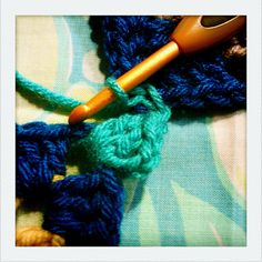 things to make and do: granny square tutorial part 3: joining squares of the same size