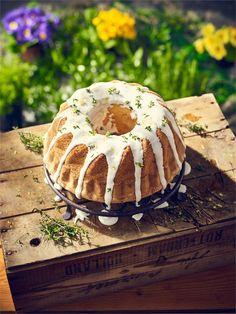 Babka cytrynowa z majonezem to przepis na wypiek, który urozmaici Twoje wielkanocne potrawy. Ciasto jest puszyste i pachnące, jego aromat będzie się unosił w Twoim domu jeszcze długo po jego…