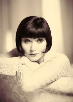 """Essie Davis, Australian stage and screen actress in the title role of """"Miss Fisher's Murder Mysteries"""". From Tasmania to the West End and Broadway and back to found the Tasmanian Theatre Company"""