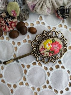 Handmade vintage hair pin/embroidered. by Sujstory on Etsy
