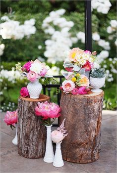 Garden wedding decor #flowers #outdoorwedding #rusticwedding #gardenwedding #weddingdecor