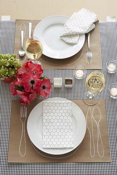 Chalk outline for utensils and plate on craft paper (via Handmade Weddings).
