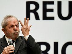 O ex-presidente Luiz Inácio Lula da Silva, fala durante reunião da Direção Nacional do PT, em Brasília (DF) - 29/10/2015