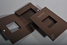 Professionelle Verpackung mit Magnetverschluss - Verpackungstechnologie und Magnete Convenience Store, Packing, Technology, Cardboard Packaging, Magnets, Packaging, Convinience Store, Bag Packaging