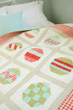 Vintage Holiday quilt by croskelley, via Flickr