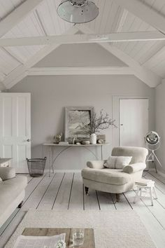 White decor, grey walls and stylish white wash walls, our ultimate favourite home interior style!